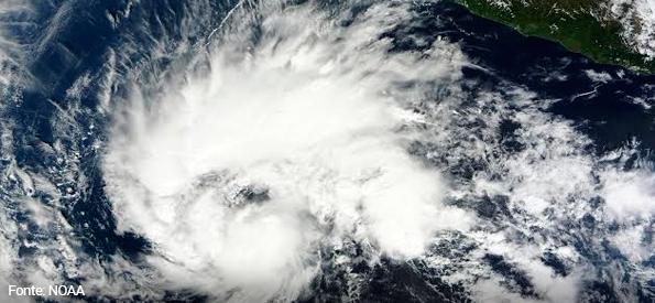 Tempestade Tropical Chris se forma na costa dos EUA
