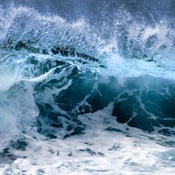 Mar muito agitado e perigoso na costa leste do Brasil