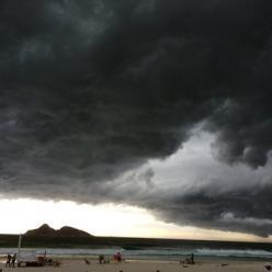 Chuva forte se espalha sobre o RJ