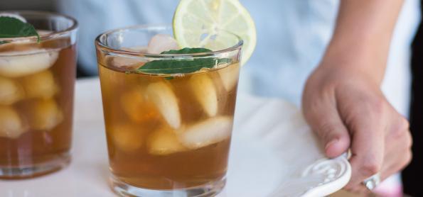 Chá Mate ou Chá Verde? Essa dupla vai deixar seu verão mais leve!