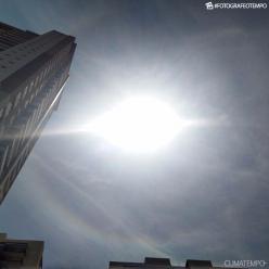 Halo solar se forma em São Paulo