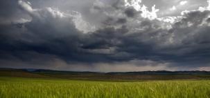 Convergência de nuvens e de chuva muda