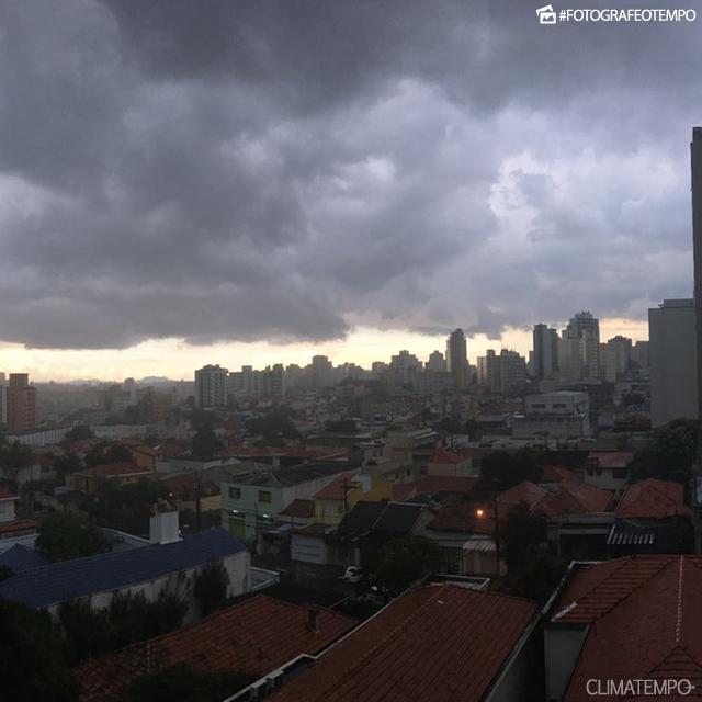 SP_São-Paulo-Marcelo-Pinheiro-2-1-17-nuvem-de-temporal