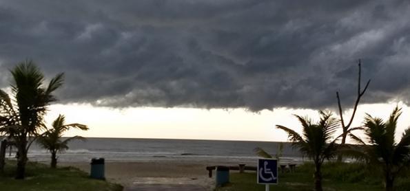 Atenção para chuva muito volumosa no litoral do PR