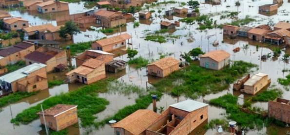 Chuva não para e rios continuam subindo no Norte do BR