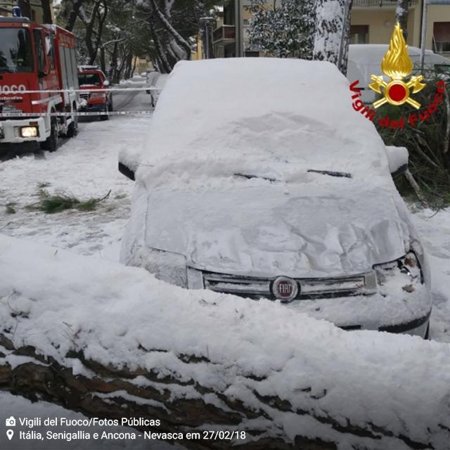Itália_Senigallia-e-Ancona_Nevasca-em-27-2-18_Foto-Vigili-del-Fuoco_Fotos-Públicas_4
