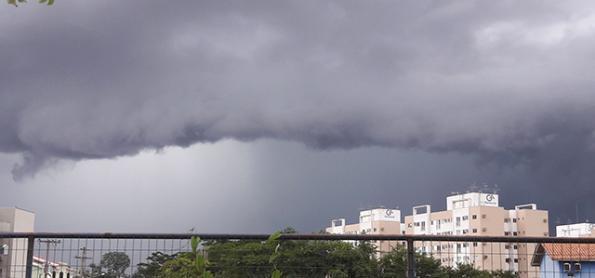 Pancadas de chuva em áreas do Centro-Oeste nesta sexta