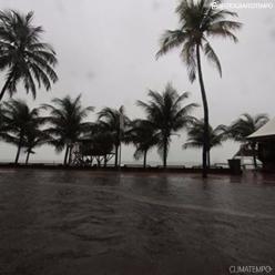 Litoral leste do Nordeste volta a ter chuva forte