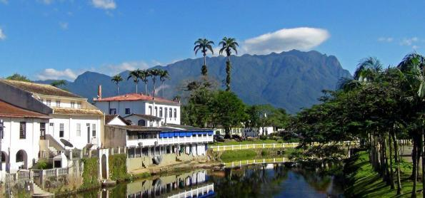 Roteiro de montanhismo e ecoturismo próximo à Curitiba