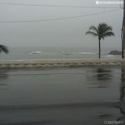 Quinta-feira com chuva em Salvador