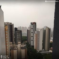 Semana termina nublada e fria em Curitiba