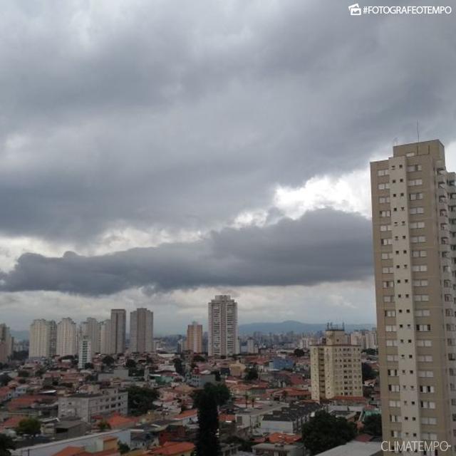SP_São-Paulo-por-Angela-Ruiz-11-1-18-tarde-de-chuva