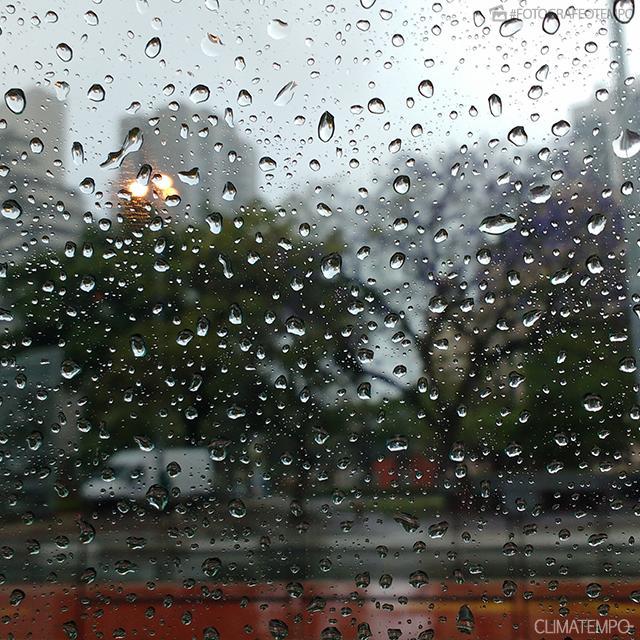 SP_Sâo-Paulo--Jo-Pegorim-3-11-16-muita-chuva-_1