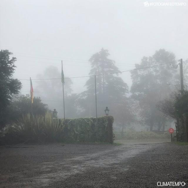 RS_Gramado-por-Maira-Di-Giaimo---12-6-18-chuvoso-e-frio_1
