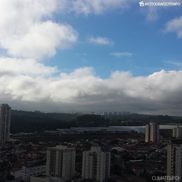 SP_São-Paulo-por-Alexandre-Galvão-5-10-16-manhã-com-sol-em-São-Paulo