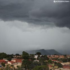 Chove forte sobre o Tocantins