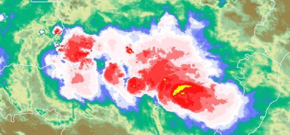 Muitos aglomerados de cumulonimbus em MG