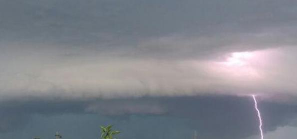 Quinta-feira de tempestades no Sul do Brasil
