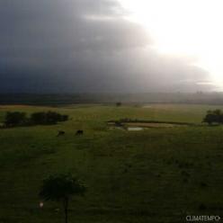 Ventania passa dos 90 km/h no Rio Grande do Sul