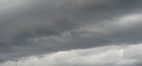Rajadas de vento passaram de 90 km/h na sexta-feira, 14