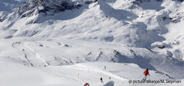 Três esquiadores morrem em avalanche na Áustria