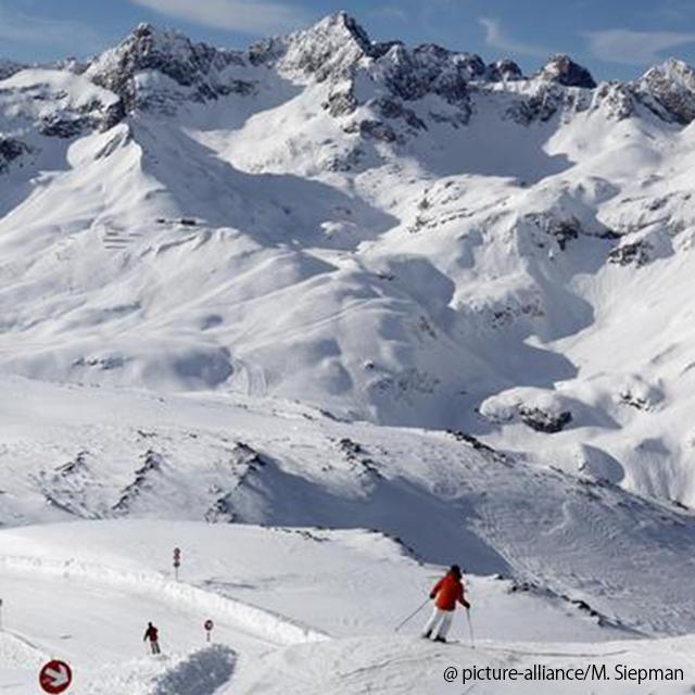 Três esquiadores morrem em avalanche na Áustria_post