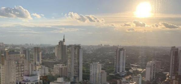 Quarta-feira quente em São Paulo
