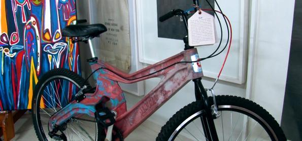 Conheça a primeira bicicleta feita com plástico reciclado no mundo