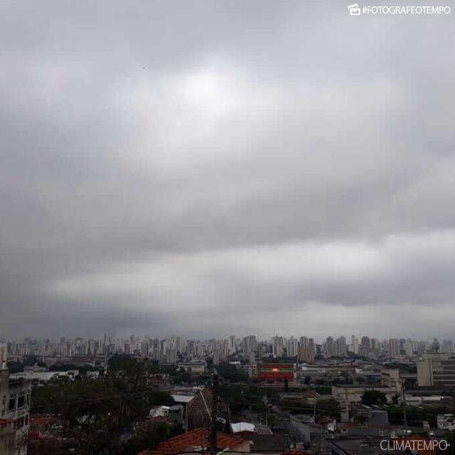 SP_São-Paulo-por-Amanda-Sampaio-15-11-18-muitas-nuvens (1)