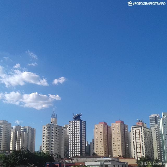 SP_São-Paulo-por-Philippe-Peinhopf-de-Paula-28-1-19-sol-e-calor
