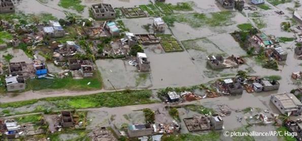 Moçambique estima mil mortos por ciclone