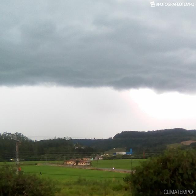 SC_Florianópolis-por-Lorena-kend-15-12-18-chuva-à-vista