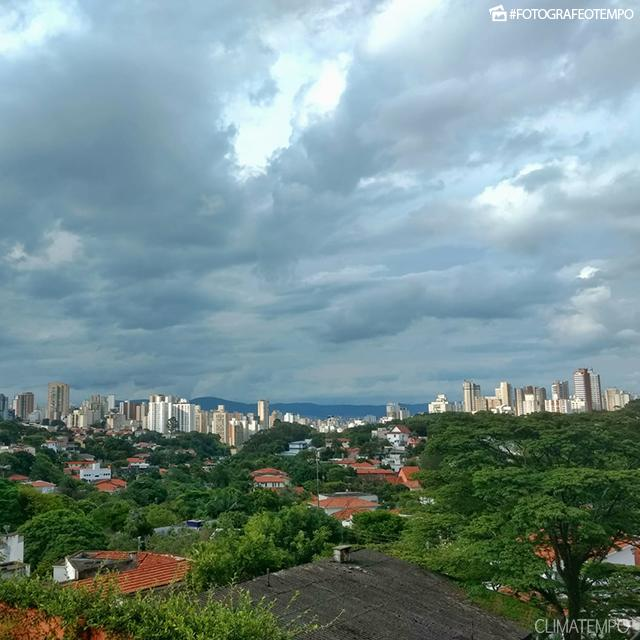 SP_São-Paulo-por-André-C.-1-12-18-nublado
