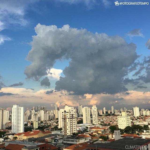 SP_São-Paulo-por-Agnes-Lellis-15-1-19-nuvem-cabeça-de-cavalo