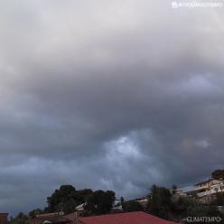 Nuvens carregadas voltam a provocar chuva forte no litoral do Nordeste