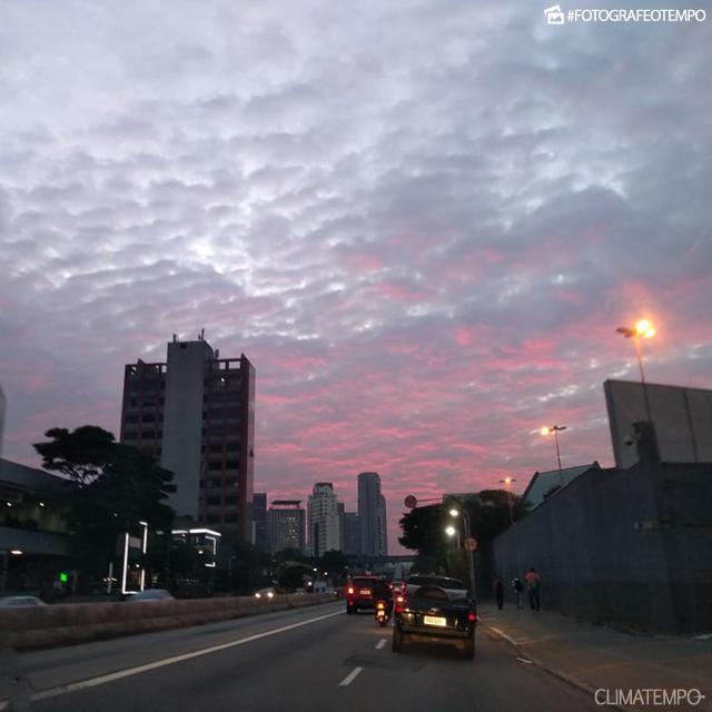 SP_SãoPaulo_AlessandraFerreira_02052019_sol_amanhecer_nuvens