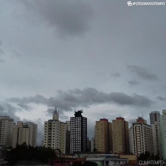 f59173b8d39c A cidade de São Paulo também pode registrar 10°C no fim de semana batendo o  recorde de frio para este ano.