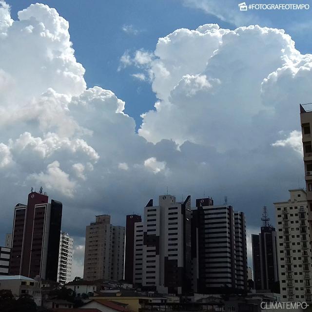 SP_São-Paulo-por-Philippe-Peinhopf-de-Paula---7-3-19--grandes-cúmulos