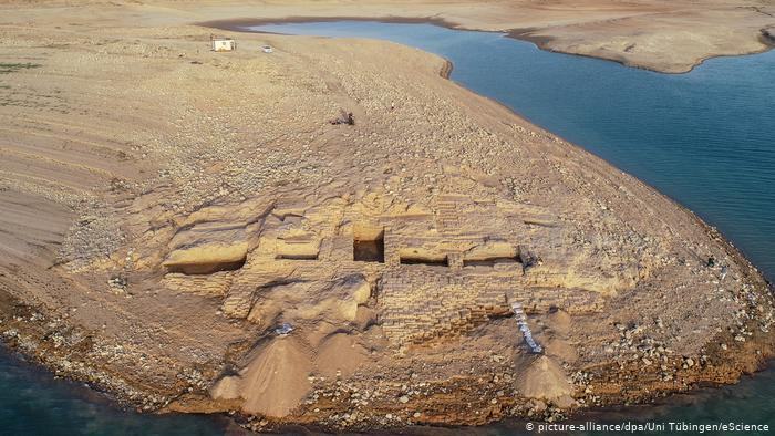 Drought in Iraq reveals 3,400-year-old palace