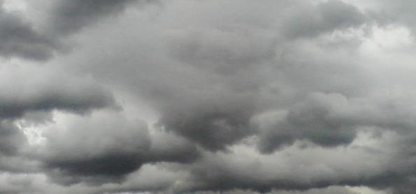 Chuva se espalha sobre SP nesta segunda