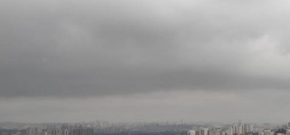 Frente fria vira o tempo no leste de SP e temperatura cai