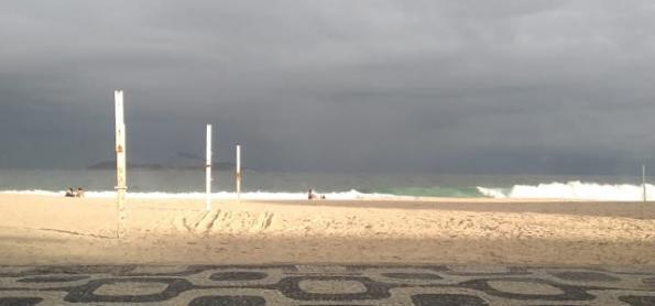 Áreas de instabilidade deixam RJ com chuva até a noite
