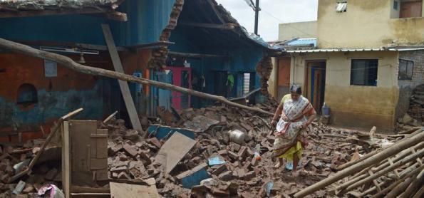 Chuvas de monção mataram mais de 350 no Sul da Ásia