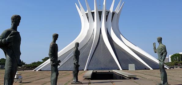 Recorde calor e de secura no ar em Brasília e em Goiânia