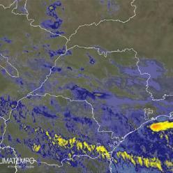 Litoral de SP tem muita chuva nesta segunda-feira