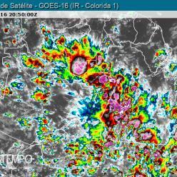 Chuva volumosa causa estragos em Rio Branco