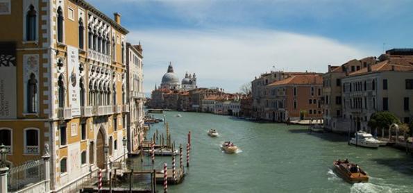 Veneza enfrenta pior cheia em 50 anos