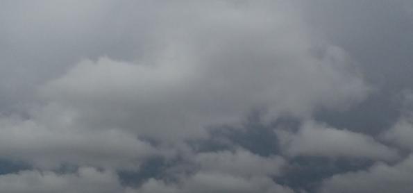 Sexta abafada e com risco de chuva forte em SP