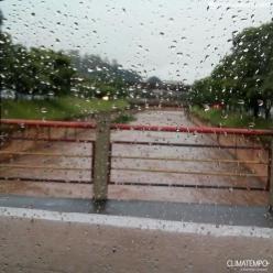 Metade da chuva de 1 ano caiu em 25 dias em BH