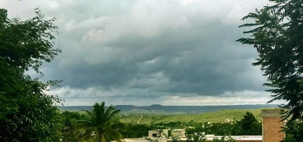 Goiás e DF continuam com muita umidade